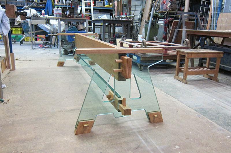 Assembling the Laduz Table. Photo courtesy of Alexander Pelikan.