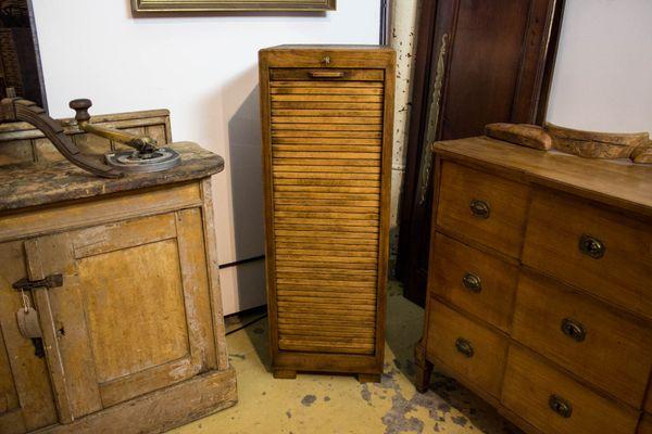 Vintage Bauhaus Style Tambour Door Oak Cabinet 1 - Vintage Bauhaus Style Tambour Door Oak Cabinet For Sale At Pamono
