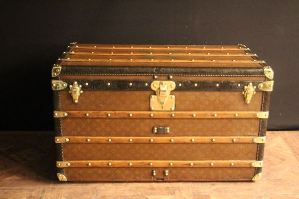 Monogram canvas courrier steamer trunk with brass fittings from louis vuitton 1930s 2