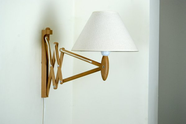 Vintage Model 324 Oak Wall Lamp by Erik Hansen for Le Klint for sale