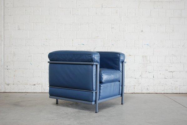 Vintage Blauer Modell LC2 Ledersessel von Le Corbusier für Cassina ...