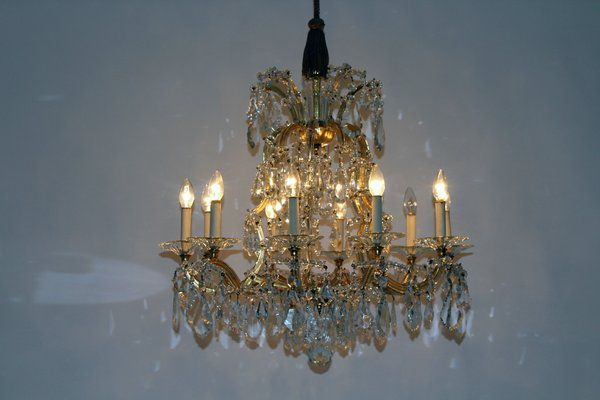 Antique viennese large crystal chandelier from lobmeyr en venta en antique viennese large crystal chandelier from lobmeyr imagen 3 aloadofball Choice Image