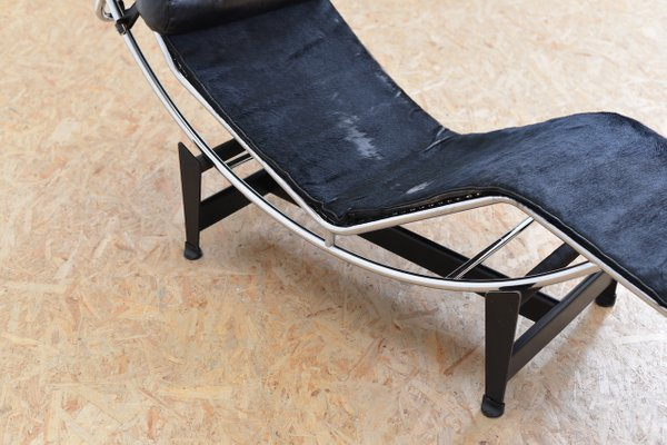 Vintage LC 4 Chaise Lounge with Pony Hide by Le Corbusier, Jeanneret ...
