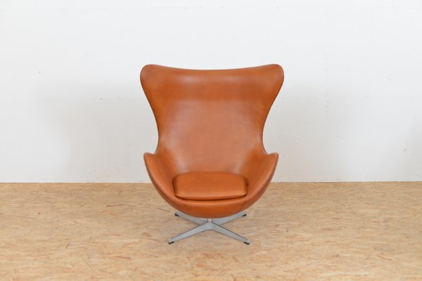 Mid-Century Leather Egg Chair by Arne Jacobsen for Fritz Hansen for ...