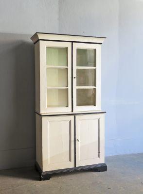Credenza vintage in legno con vetrina in vendita su Pamono