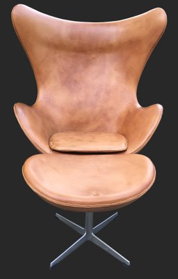 Cognac Leather Egg Chair and Ottoman by Arne Jacobsen for Fritz ...