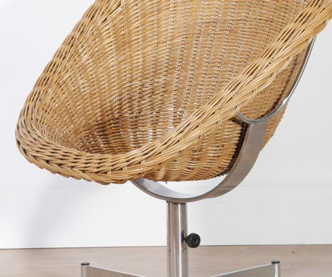 Rattan Swivel Chair By Dirk Van Sliedregt For Gebroeders Jonkers, 1960s 2