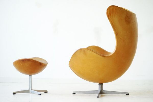 Affordable Egg Chair Und Ottomane Aus Leder Von Arne Jacobsen Fr Fritz  Hansen Er With Egg Chair Leder.