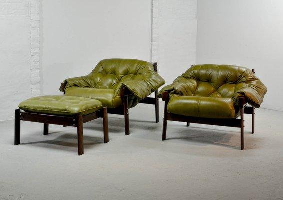 Sillones y otomana de cuero verde oliva de Percival Lafer, años 60 ...