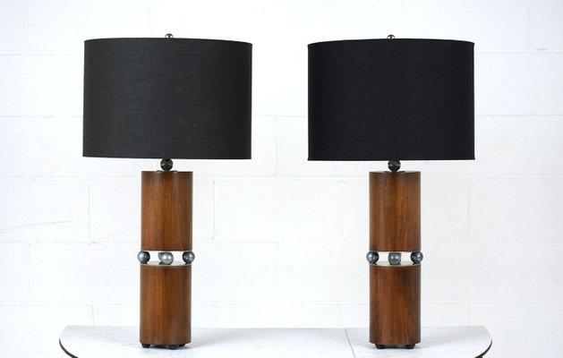 https://cdn10.pamono.com/p/g/2/5/259695_ccwhulfcya/lampade-da-tavolo-mid-century-moderne-set-di-2-immagine-1.jpg