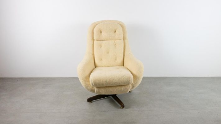 Mid Century Reclining Egg Chair 1