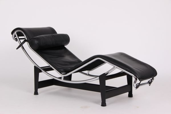Vintage Model LC4 Black Leather Lounge Chair By Le Corbusier For Cassina 5