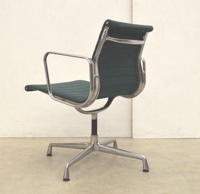 Bürostuhl Vitra grüner ea108 aluminium bürostuhl charles eames für vitra
