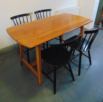 Elm Trestle Dining Table From Ercol,1950s 3