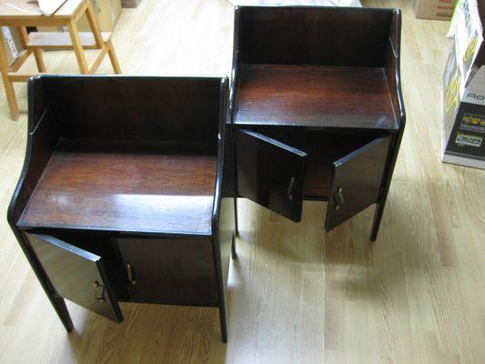 Comodini in legno e vetro specchiato, Italia, set di 2 in vendita su ...