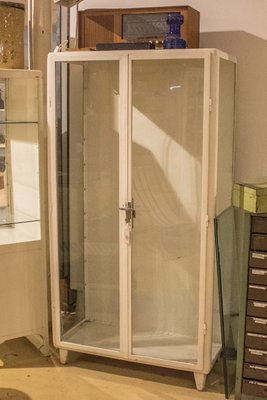 vitrine meuble great vitrine scandinave bois with vitrine. Black Bedroom Furniture Sets. Home Design Ideas