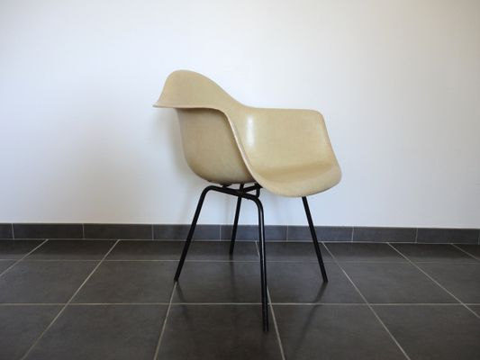 Fiberglass Armchair By Charles U0026 Ray Eames For Herman Miller, 1950s