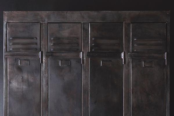 Schwarzer Stahl schwarzer mid century stahl spind 1950er bei pamono kaufen