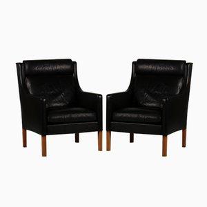 Dänische 2431 Ohrensessel aus Schwarzem Leder und Eiche von Børge Mogensen für Fredericia Furniture, 1970er, 2er Set