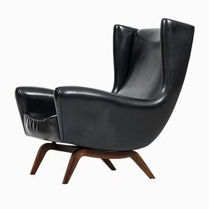Model 110 Lounge Chair by Illum Wikkelsø for Søren Willadsen Møbelfabrik