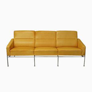 Vintage Light Tan Leather Series 3303 Sofa by Arne Jacobsen for Fritz Hansen
