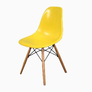 Vintage DSW Chair by Charles & Ray Eames for Herman Miller, 1960s
