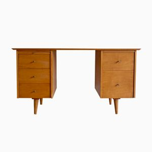 Model 1561 Maple Desk by Paul McCobb for Winchendon Furniture, 1950s