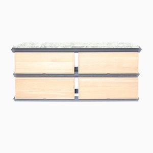 Mobile a 2 livelli a cassetti in legno con ripiano in pietra di Debra Folz Design