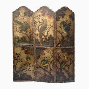 Pantalla antigua de cuero con decoración floral y pájaros