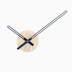 Horloge Murale Sweep en Frêne & Métal Noir par Christopher Konings