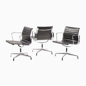 Sedie girevoli in alluminio di Charles & Ray Eames per Vitra, 1989, set di 3