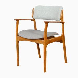 Modell 50 Eichenholz Armlehnstuhl von Erik Buch für O.D. Møbler, 1960er