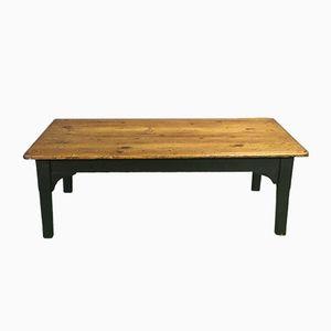 Antiker Couchtisch mit Tannenholz Tischplatte & Schwarzem Untergestell