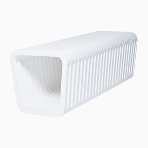 Panca o tavolino da caffè lungo Link bianco latte di Reda Amalou