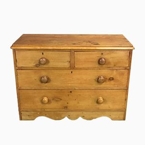 19th Century Victorian Chest of Drawers in Pine