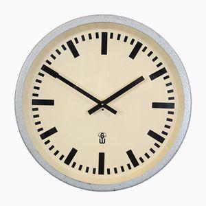 Horloge Industrielle Mid-Century d'Allemagne de l'Est de GW Gerätewerke, 1960s