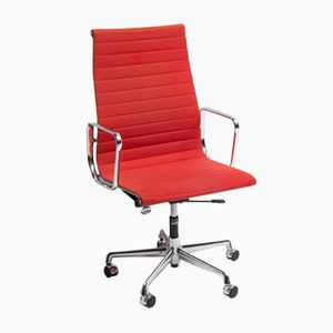 Chaise Pivotante EA119 par Charles & Ray Eames pour Vitra