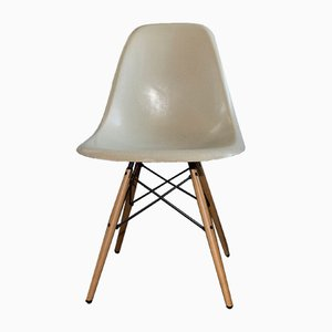 Mid Century Fiberglass DSW Chair By Charles U0026 Ray Eames For Hermann Miller