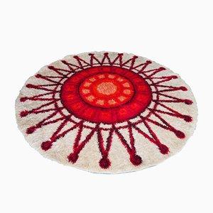 Tappeto rotondo a pelo lungo con sole rosso e color crema, anni '60