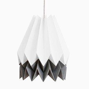 PLUS polarweiße Origami Lampe mit anthrazitgrauem Streifen von Orikomi