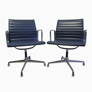 Sedie EA108 in vinile ed alluminio di Charles & Ray Eames per Herman Miller, anni '60, set di 2