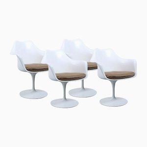 Weiße Tulip Stühle von Eero Saarinen für Knoll International, 1950er, 4er Set