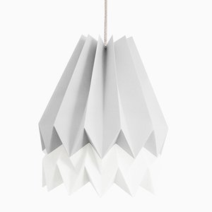 PLUS Light Grey Origami Lampe mit Streifen in Polar White von Orikomi