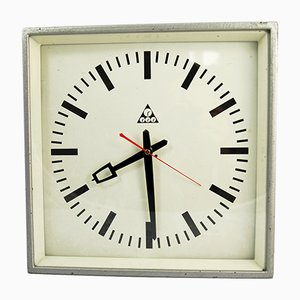 Horloge Murale Industrielle de Pragotron, 1970s