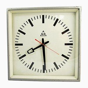 Reloj de pared industrial de Pragotron, años 70