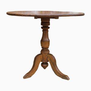 Antiker Beistelltisch mit verkanteter Tischplatte