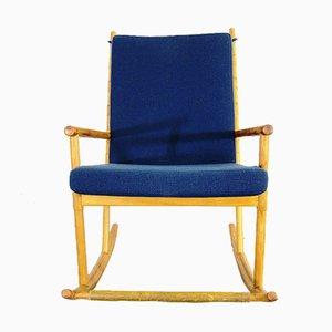 Schaukelstuhl aus Holz mit blauem Bezug, 1950er
