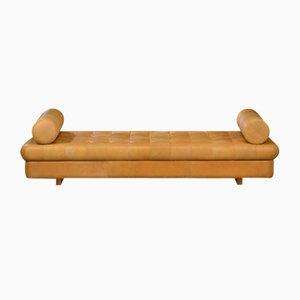 Sofá cama vintage de cuero