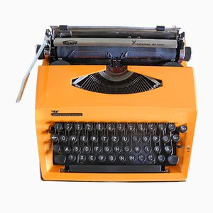 Vintage Contessa de Luxe Typewriter from Triumph