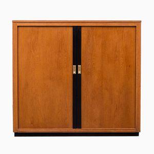 Mueble industrial de roble con puertas correderas, años 50